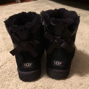 UGG short Bailey Bow Boots